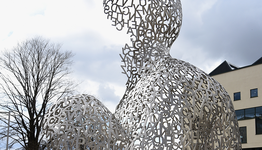 House of Knowledge av Jaume Plensa.